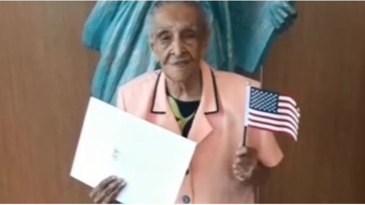 103-year-old Florida woman granted citizenship