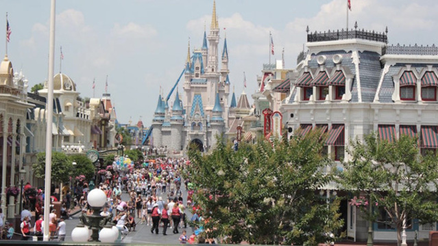 Magic Kingdom now accepting guests after reaching capacity Sunday