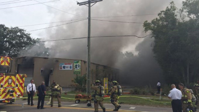 VIDEO: Town N' Country warehouse fire sends plumes of smoke over Veterans Expressway