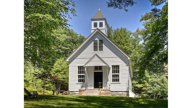 Photos_ A converted one-room schoolhouse Credit_ Photos by Steve Belner via Zillow_245828