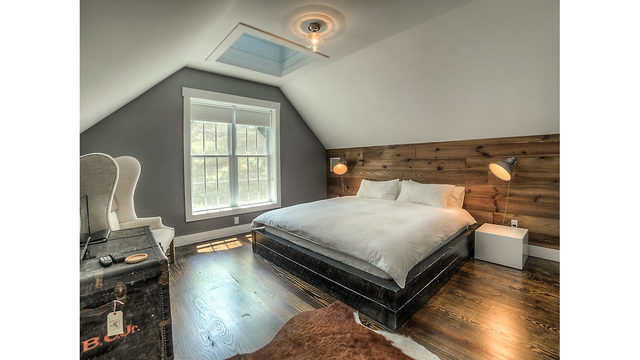 Photos_ A converted one-room schoolhouse Credit_ Photos by Steve Belner via Zillow_245842
