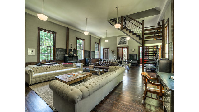Photos_ A converted one-room schoolhouse Credit_ Photos by Steve Belner via Zillow_245834