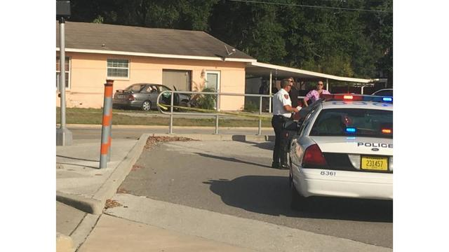 Lakeland pedestrian killed when man loses control of vehicle, drives on sidewalk