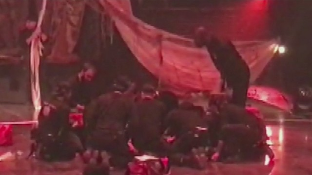 Audience reacts to Cirque du Soleil performer falling to his death