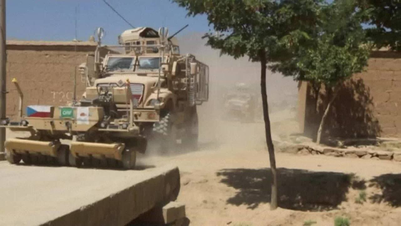 Suicide bomber kills 3 NATO forces, injures US soldier in Afghanistan