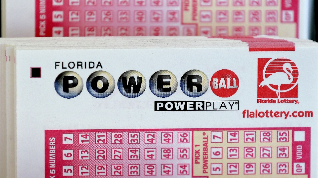 550 Million Up For Grabs In Powerball Jackpot Tonight