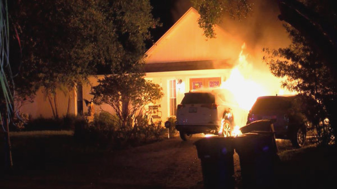 Arson Investigation Underway After 2 Cars Found Burning In Tampa
