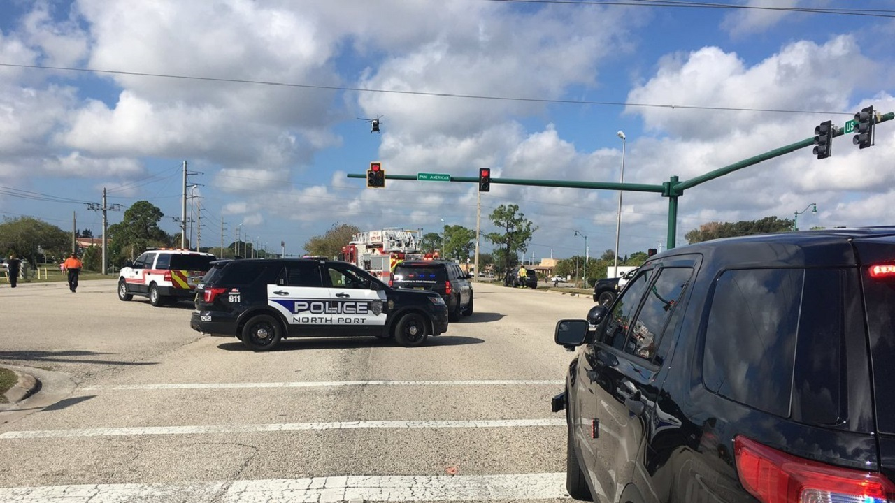Multiple-vehicle crash shuts down part of US 41 in North Port