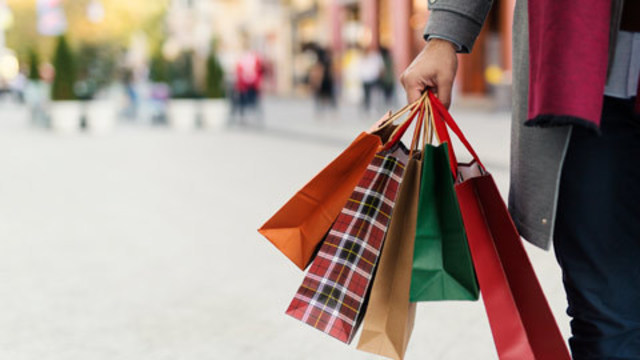 Tampa Bay shopping mall hours for last-minute Christmas gifts