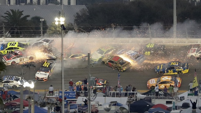 big wreck NASCAR Daytona 500 Auto Racing_1550449594204