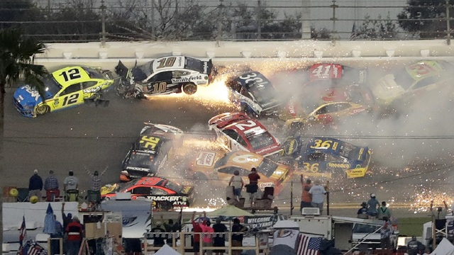 Big Wreck NASCAR Daytona 500 Auto Racing_1550449597018