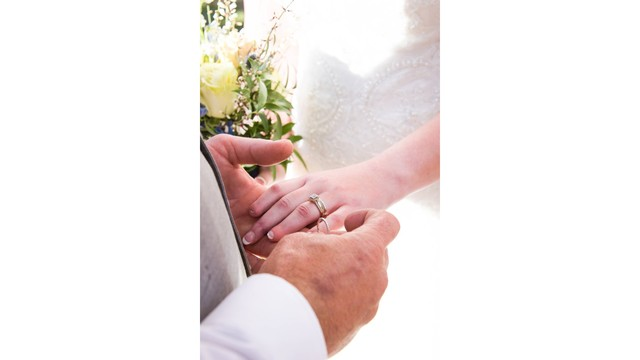 Tampa Bay woman's fingers reattached for wedding day after wood-chipper accident (8)_1552063228674.jpg.jpg