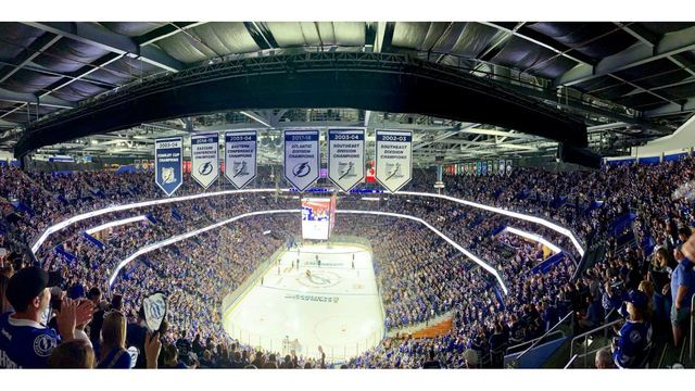 LIVE UPDATES: Lightning fall to Blue Jackets 5-1