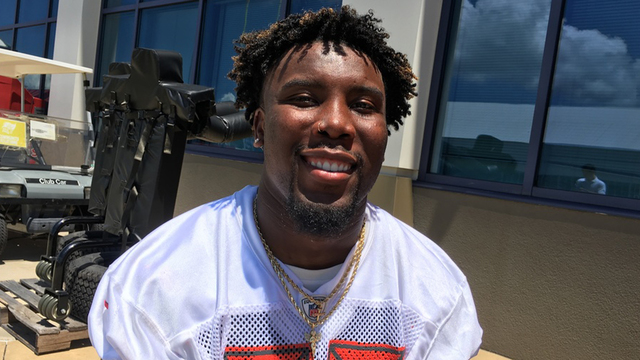 Bucs RB Peyton Barber making moves on and off field